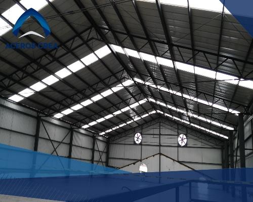 Un techo de lámina galvanizada es sencillo de colocar y trae grandes ventajas. ¡Somos fabricantes de laminas! Enviamos pedidos a todo el país.