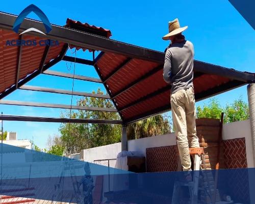 Las instalaciones incorrectas de láminas pueden provocar filtraciones. Aprende a solucionarlo en esta entrada. Envíos a todo México.